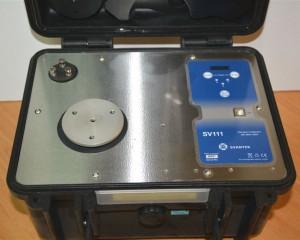 Calibrador de vibraciones de campo para acelerómetros